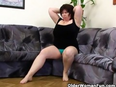 mature bbw with large mambos masturbates with