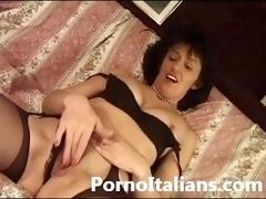 italian mature lady hairy pussy sex - signora