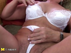 mature mother franscina rides sex-toy hard and