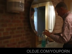 young cleaning lady fucks with grandpa in the
