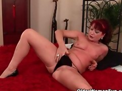 red hawt grandma acquires her tiny love melons