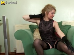 aged lascivious mother first time on cam