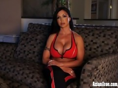 interview jewels jade and pump up her clit