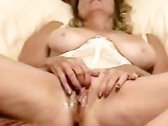 mamma gets moist