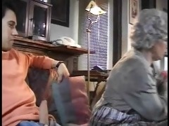 abuela rumana follando con su nieto