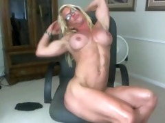 deliciously ripped muscle mother i ginger shows