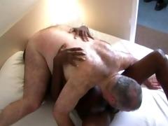 dark guy fucks large hirsute bear