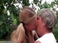 hot blond sweetheart receives horny making out