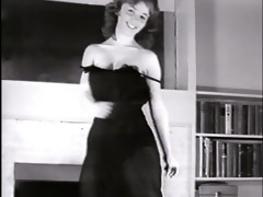 little sister - vintage striptease dance