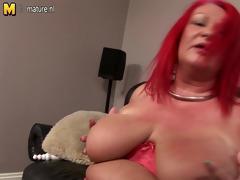 perverted big older mother pleasing her old cunt