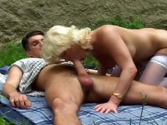 blond screwed by her neighbour [clip]