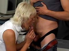 breasty mamma needs hard
