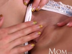 mommy two bored housewifes use the afternoon to