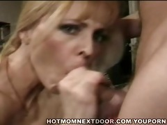 oral job sex with a mother i