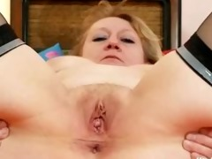 dirty old grandma pussy widening and masturbation