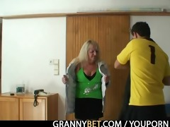 blonde grandma in darksome nylons bonks
