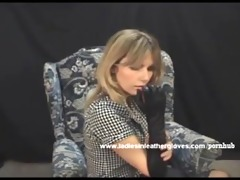 pretty milf puts on sexy leather gloves and turns